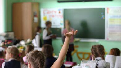 Photo of МОН прокомментировало распространившийся в Казнете план по возвращению школьников в классы